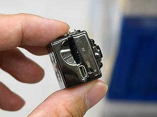 サイコロサイズの超小型カメラが...