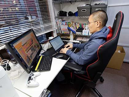 仕事場にゲーミングチェアはかなりアリ akracing overture を導入し